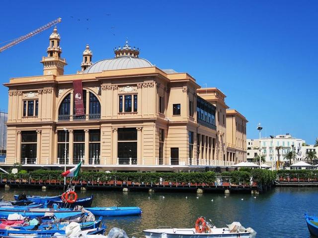 Traghetto Da Bari per la Grecia (Corfù, Igoumenitsa, Patrasso)