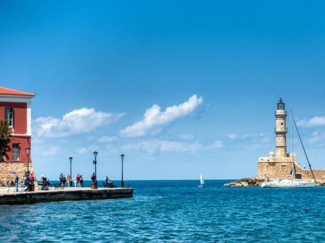 Chanià dal porto di Atene (Pireo)