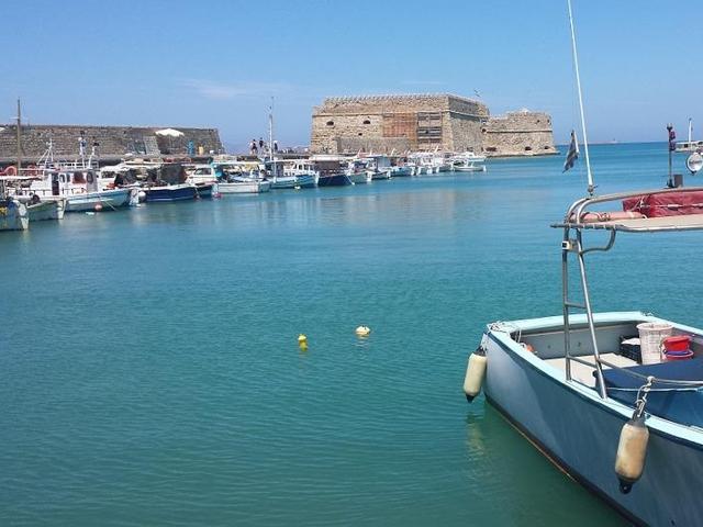 Heraklion dal porto di Atene (Pireo)