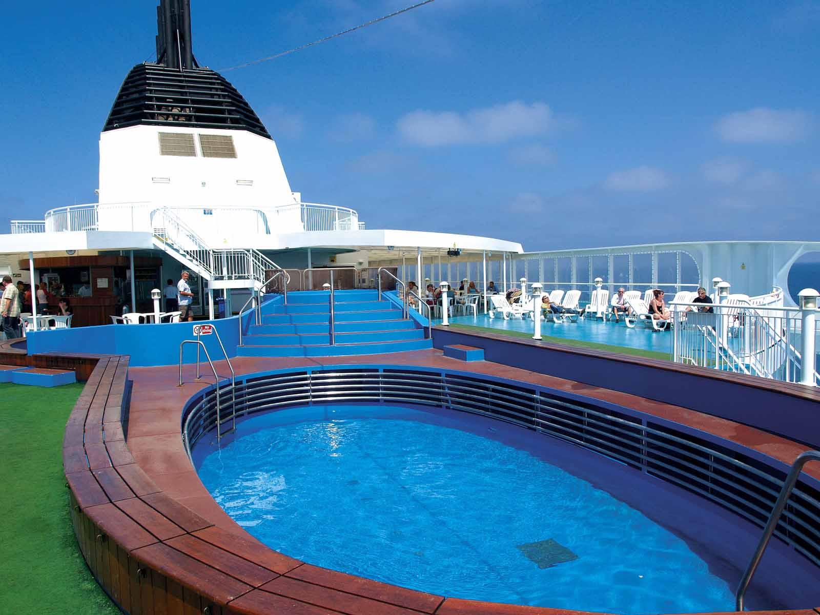 H/S/F Hellenic Spirit Swimming Pool
