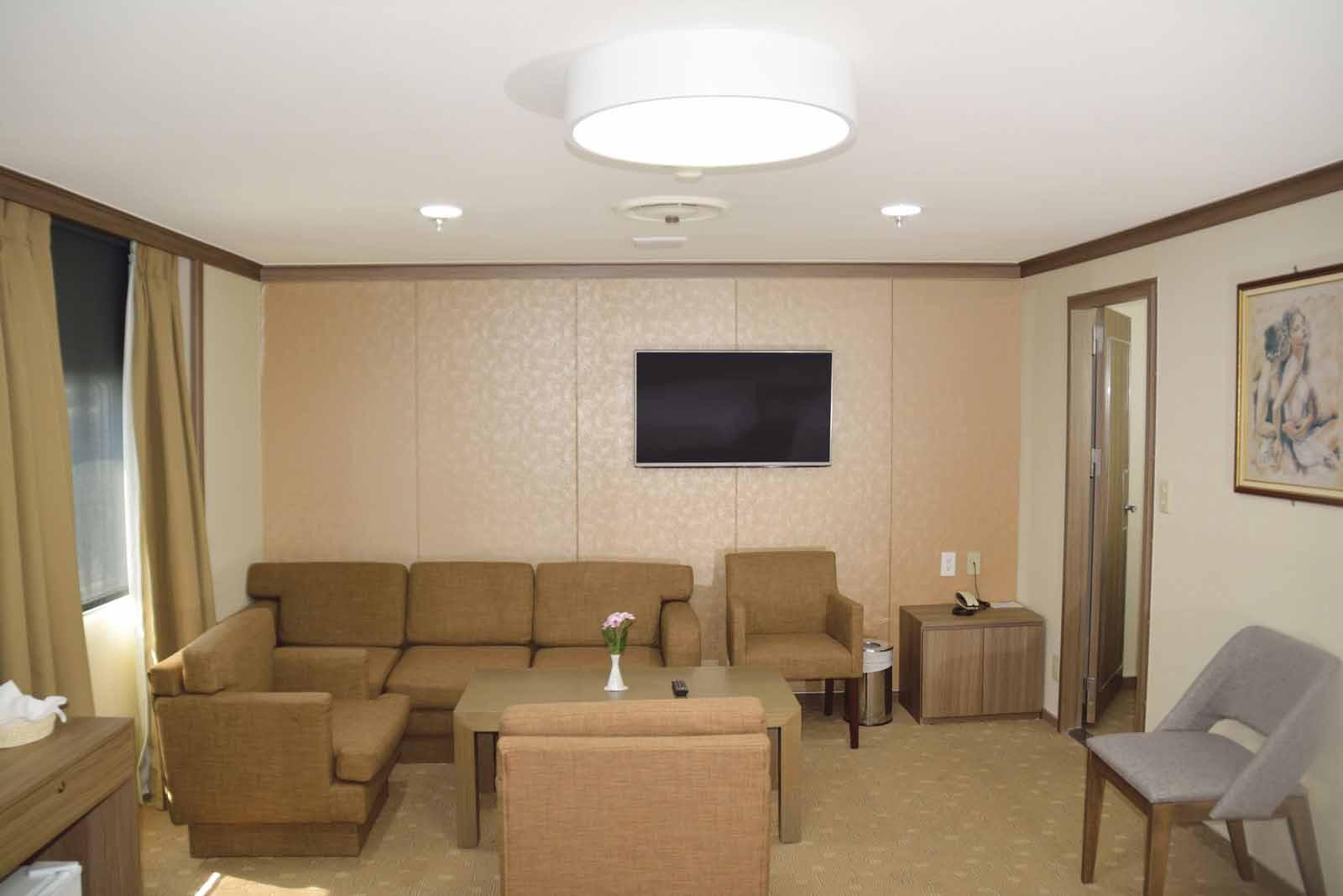 F/B Kydon Lux cabin living room