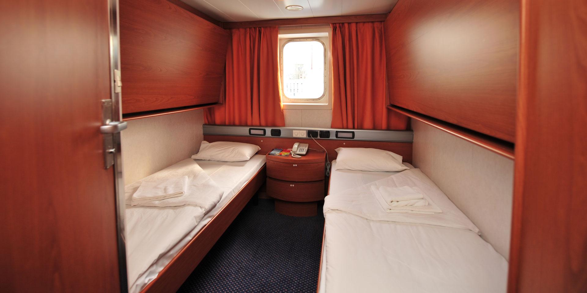 F/B Superfast II 2 Bed outside cabin