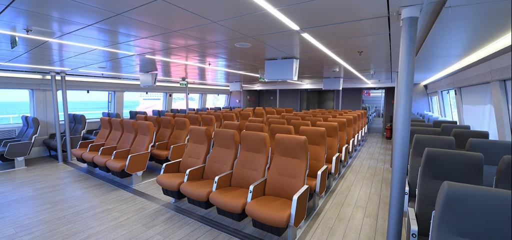 Passenger / Car Ferry  High Speed Hellenic Highspeed Business class