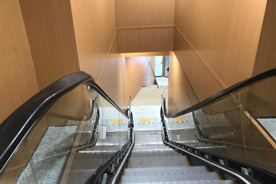 F/B Rigel III Escalators