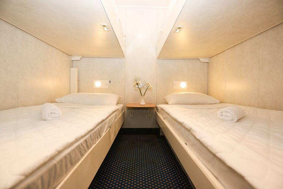 F/B Rigel III 4 bed inside cabin