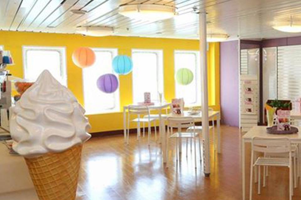 F/B Rigel III Ice cream corner