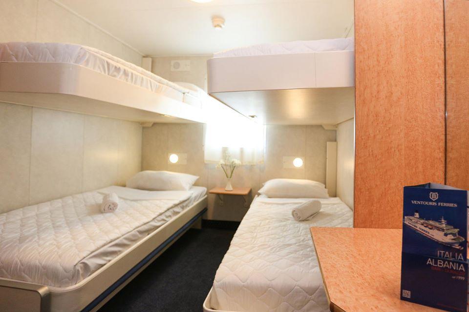 F/B Rigel III 4 bed outside cabin