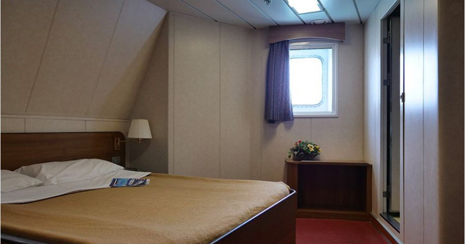 Passenger/Ro-Ro Euroferry Corfu External cabin - double bed
