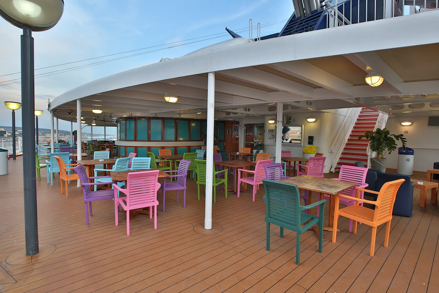 Passenger/Ro-Ro Europa Palace Open deck - Bar