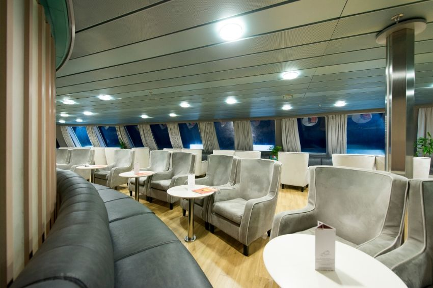 F/B Fast Ferries Andros Saloon First Class